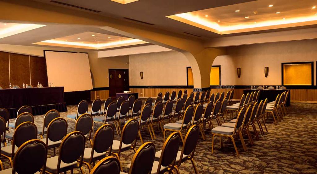 Salle de conférence au Sarakawa