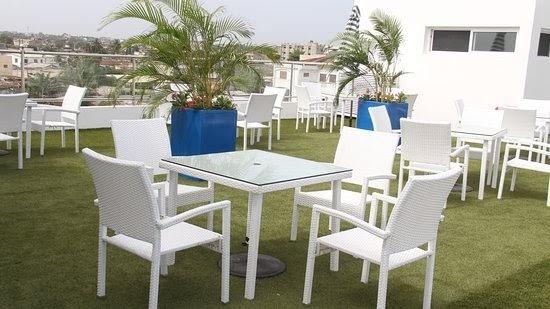 roof bar de l'hôtel Ahoefa King Salomon Garden