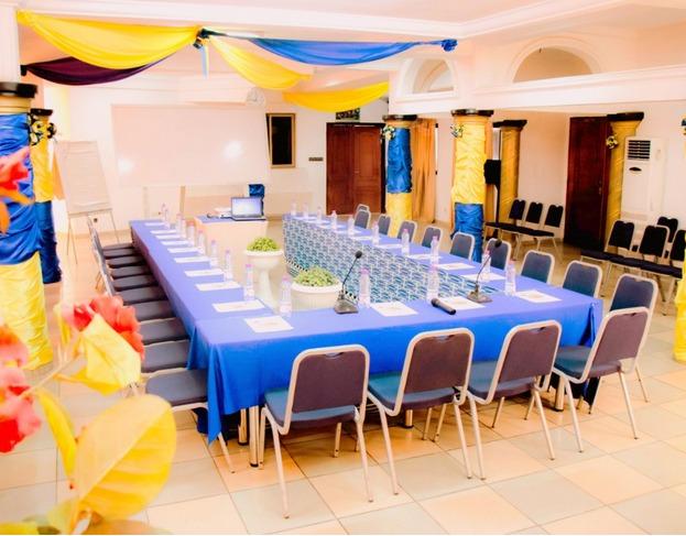 Salle de conférence à l'Hôtel Excellence