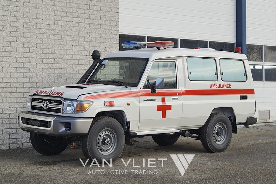 Ambulance TOYOTA VDJ78L Land Cruiser