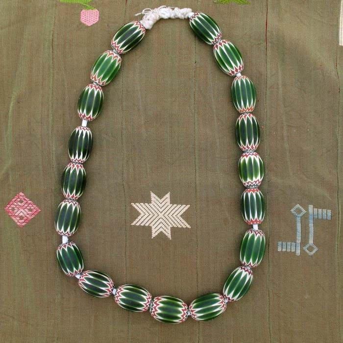 Grosses perles anciennes à chevrons de Saprot