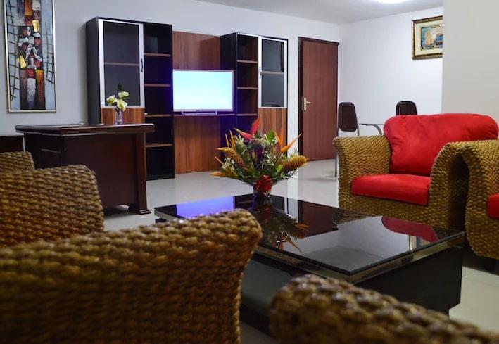 Salon, appartement 3 chambres de l'hôtel Eda-Oba