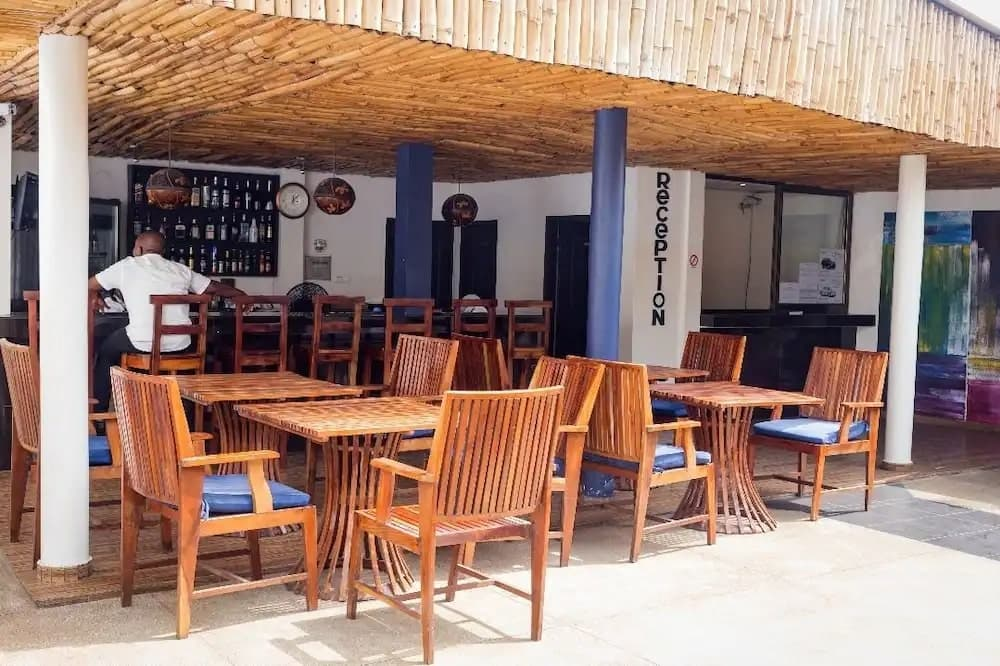Seaside bar