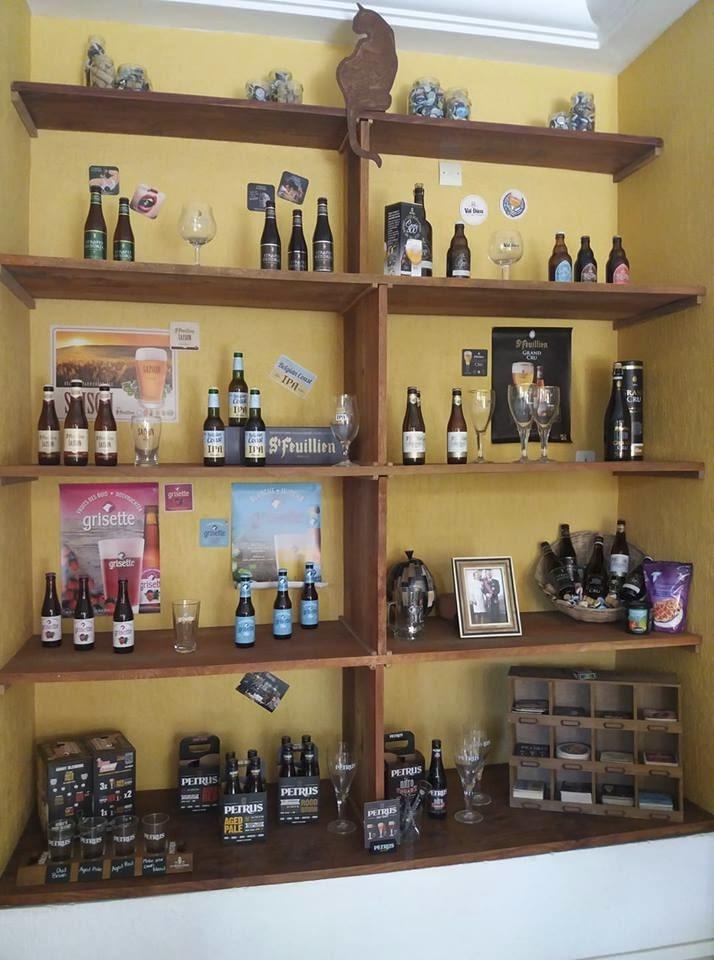 Large choix de vins et des boissons de l'hôtel Le Galion